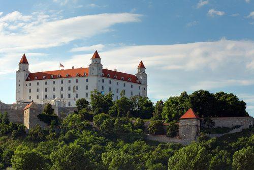 1340896756_bratislava-castle-day