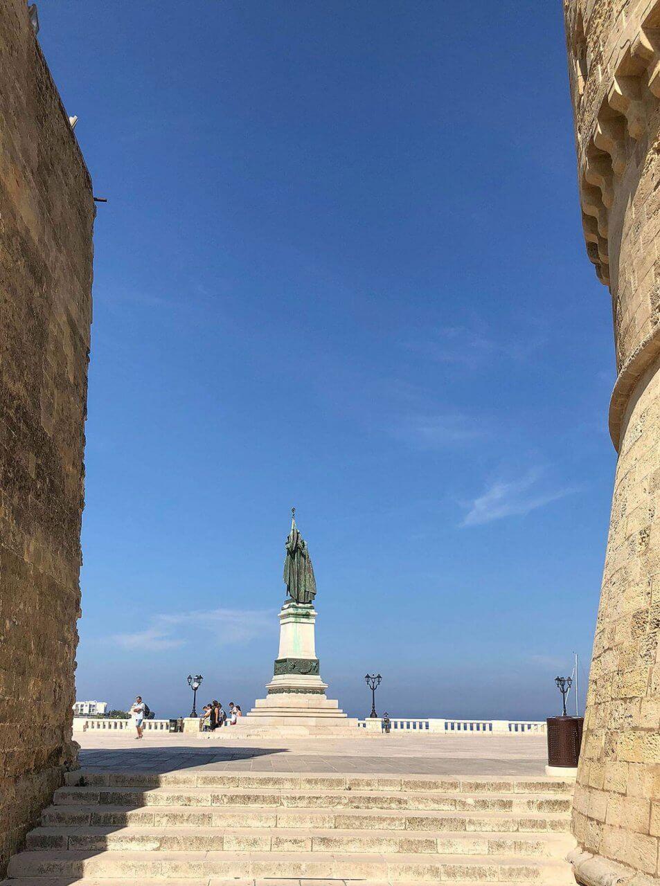 Монумент Остуни