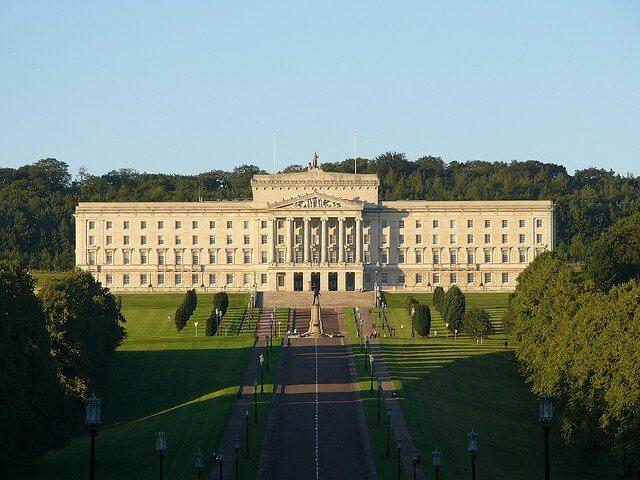 парламента в Белфаст